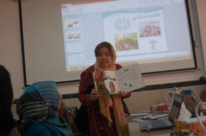 RWM trainer in reading aloud workshop - Read with Me in Evaz - Sep 2015