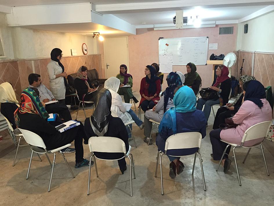 کارگاه کمک های اولیه به کودکان و نوجوانان در بحران - مهر 1394
