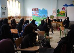 RWM trainer in reading aloud workshop - Read with Me in Zahedan - Dec 2015