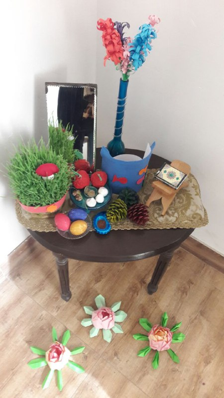Haft-Seen (an Iraninan traditional tabletop fo New Year) - Read with Me in MahmoodAbad