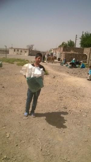 با من بخوان- جمع آوری زباله - محمودآباد شهرری- خرداد 95
