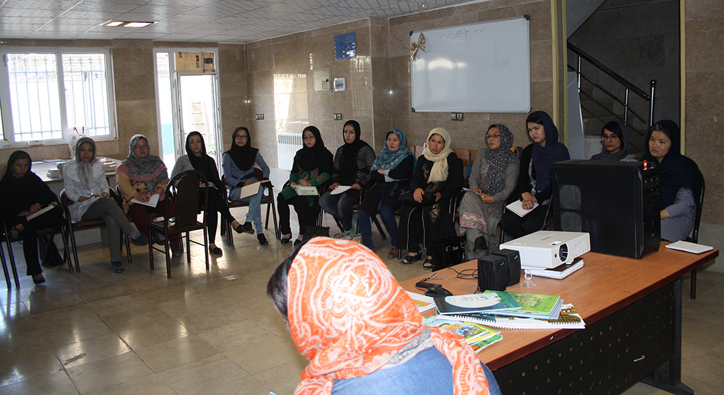 Tutors from Afghanistan in RWM workshops - Read with Me in MahmoudAbad - Sep 2016