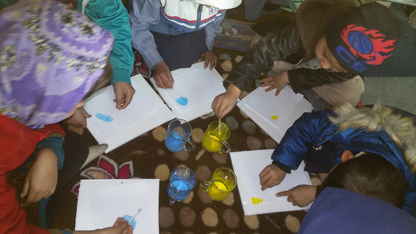 Children taking part in book related activities - Read with Me in Mazar-e-Sharif (2016)