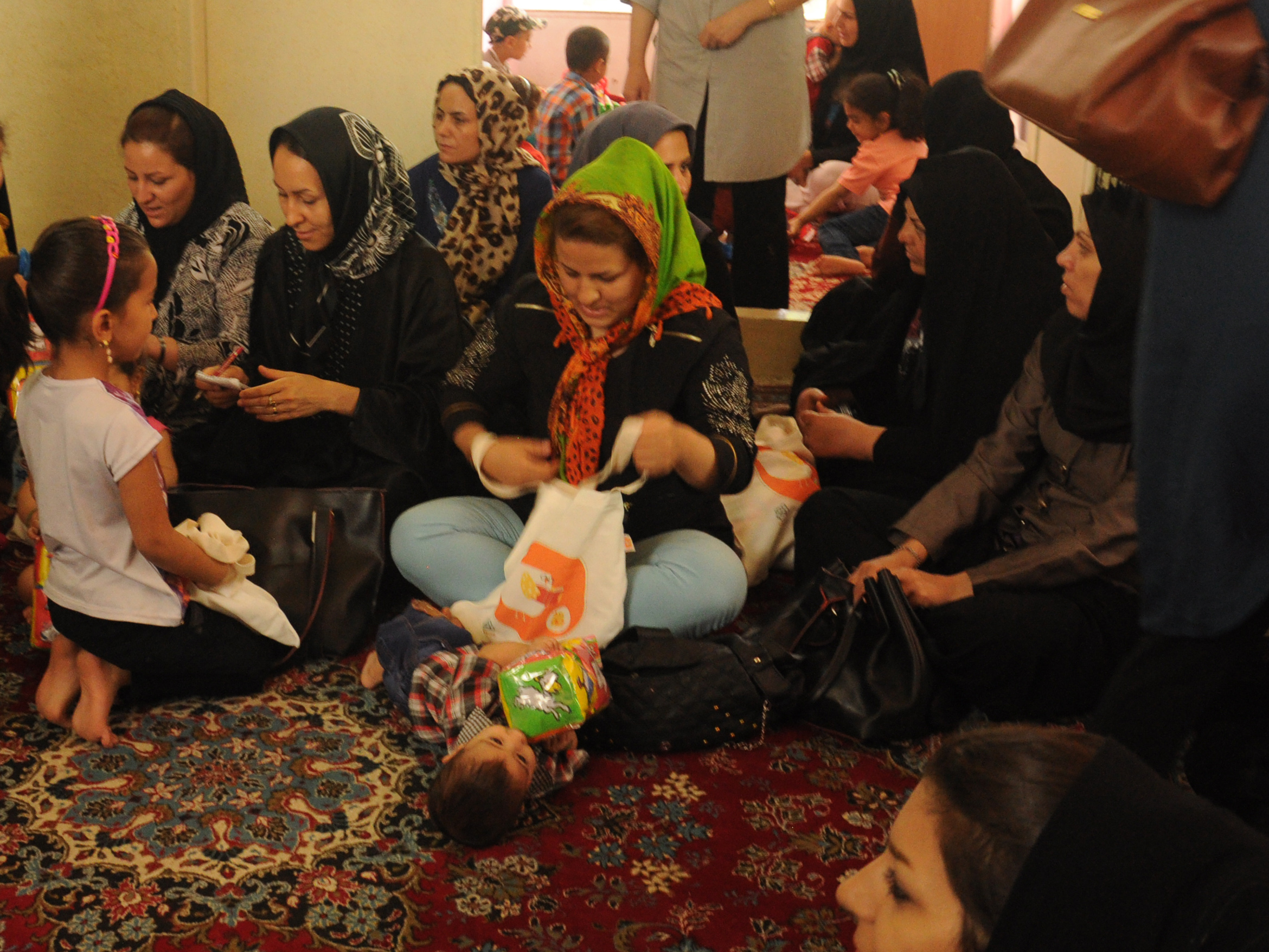 Mothers in Reading with Babies and Toddlers workshop in Hasseh