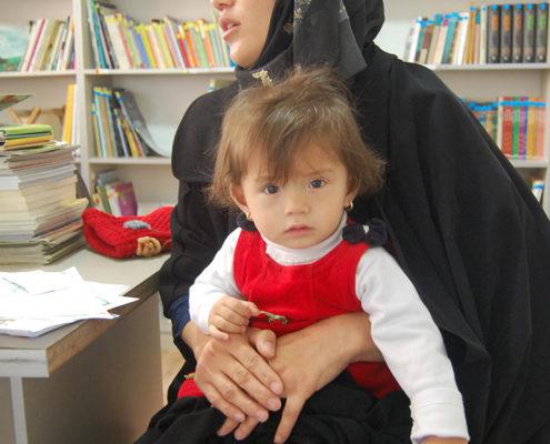 خواندن با نوزاد و نوپا- محمودآباد شهرری- بهمن 1395