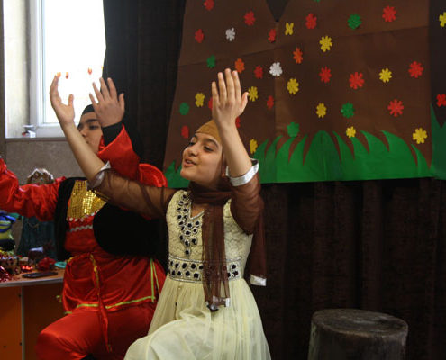 Children performing Arash the Archer