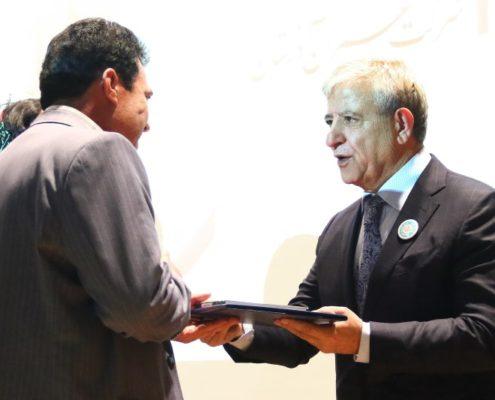 تقدیر از معلمان برگزیده و همکاران برنامه
