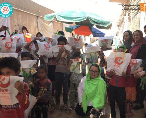 کودکان کورهپزخانههای جنوب تهران با بستههای کتاب بدرقه شدند