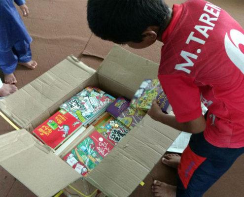 بسته های کتاب طرح کتابخانههای کوچک تابستانی در زرآباد