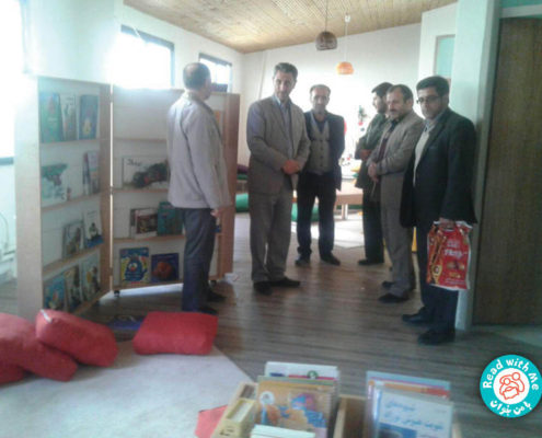 بازدید رئیس اداره آموزش وپرورش معلم کلایه و همراهان از کتابخانه آذر ۹۶