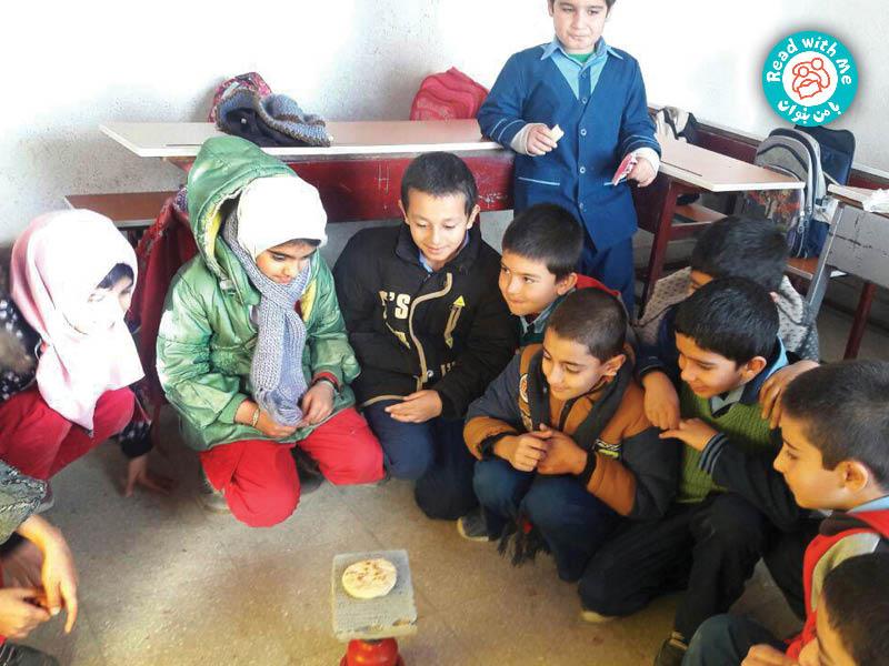 فعالیت پس از بلندخوانی کتاب تنور پختن نان با دانش آموزان