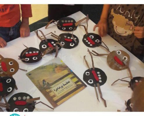 ساخت مگس در فعالیت پس از بلندخوانی کتاب «عطسه پرماجرا»