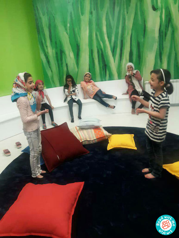 آموزش مفاهیم از طریق اجرای تئاتر و نمایش