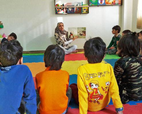 بلندخوانی کتاب «یک توپ برای همه»، محمودآباد، آبان 96