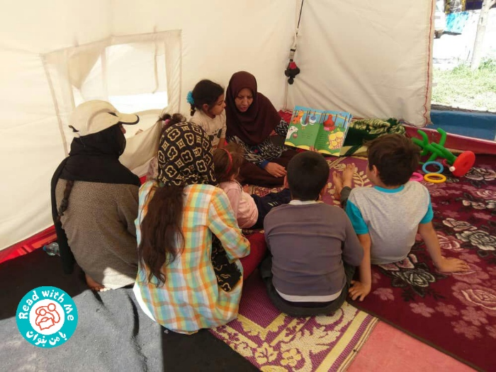 Reading-Aloud-in-Camps