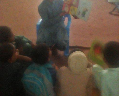 بلندخوانی کتاب «خرگوش کوچولوی خوشحال» و «افسانهی درخت خرما و بزی»، چابهار، فروردین96