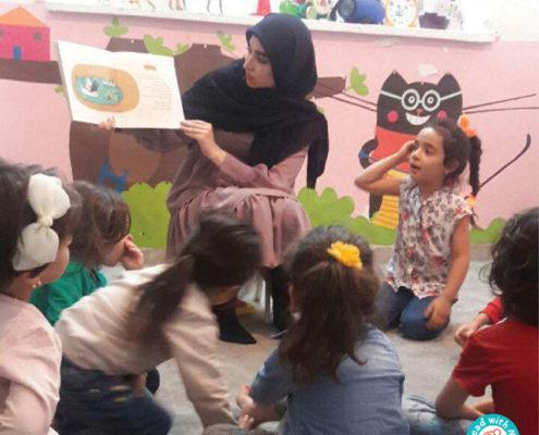 نشست بلندخوانی کتاب آواورزی در کتابخانه کودکمحور دایان